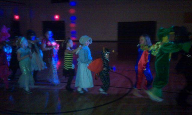 Leah and Zoe!: Halloween Dance